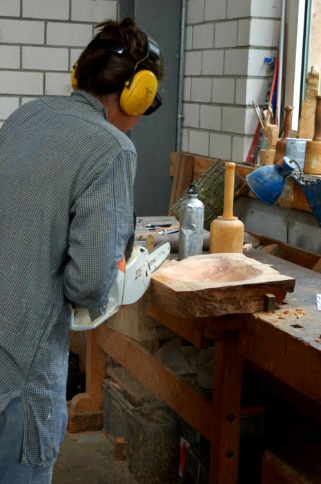 Carved bowl 004