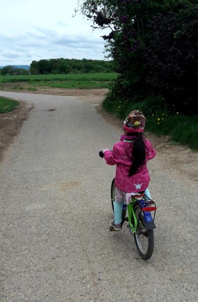 Tinybug_onna_bike_01.jpg